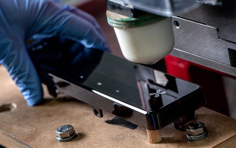 Bedrukken, laseren en assembleren van producten Perfect Coat foto